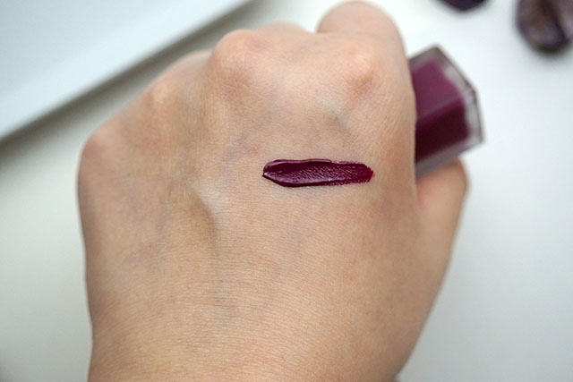 倩碧紐約普普絲絨唇釉CLINIQUE pop liquid matte lip colour 唇彩09.JPG